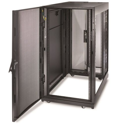 Шкаф APC NetShelter SX 24U 600x1070 (AR3104)