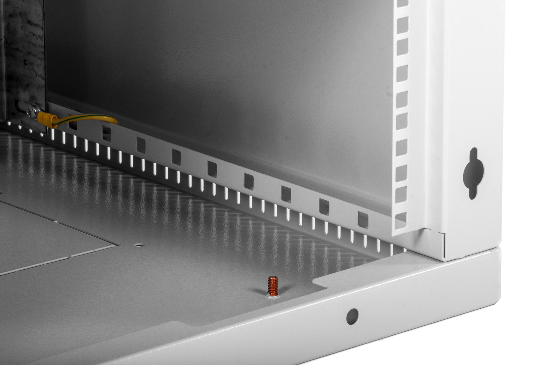 Шкаф ЦМО настенный 18U 600х650 (ШРН-Э-18.650)